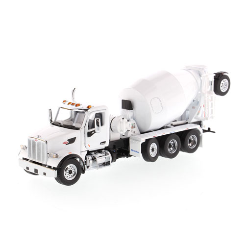 1:50 Scale 567 with McNeilus Bridgemaster Mixer - White